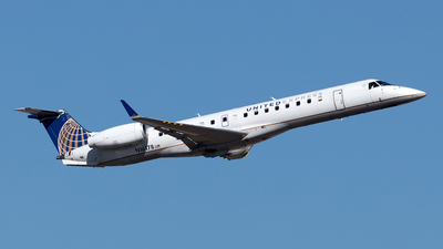 A picture of N16178 - Embraer ERJ145XR - United Airlines - © Yixin Chen