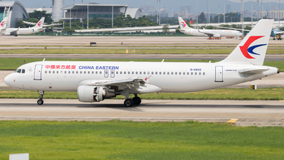 A picture of B6892 - Airbus A320214 - China Eastern Airlines - © sam fu