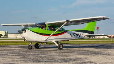N171RA - Cessna 172S Skyhawk - Cirrus Aviation