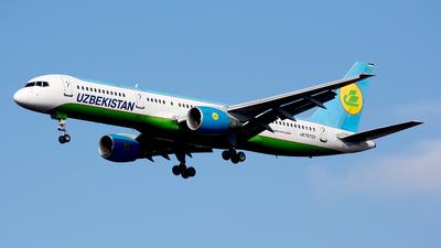 A picture of UK75703 - Boeing 757231 - Uzbekistan Airways - © Fedor Kabanov