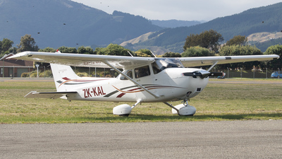 ZK-KAL - Cessna 172S Skyhawk SP - Kapiti Districts Aero Club