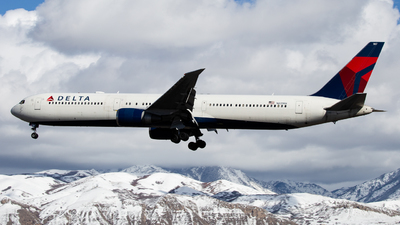 A picture of N831MH - Boeing 767432(ER) - Delta Air Lines - © John Marzo