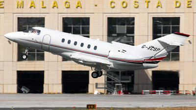 G-XCSP - Hawker Beechcraft 800XP - Private