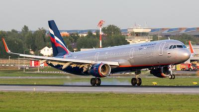 A picture of VQBTU - Airbus A321211 - Aeroflot - © Svyatoslav
