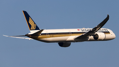 A picture of 9VSCB - Boeing 78710 Dreamliner - Singapore Airlines - © AMG_HouZeKai