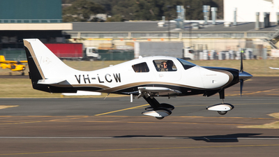 VH-LCW - Columbia 400 - Private