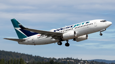 A picture of CGWAZ - Boeing 7377CT - WestJet - © Grant Gladych