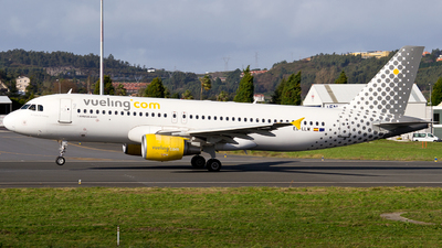 A picture of ECLLM - Airbus A320214 - Vueling - © Alberto Maroto - LCG Spotters