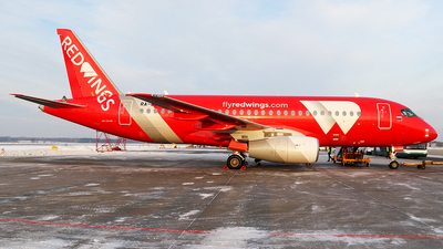 RA-89140 - Sukhoi Superjet 100-95B - Red Wings