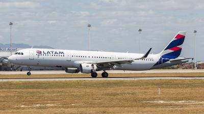 PT-XPJ - Airbus A321-211 - LATAM Airlines