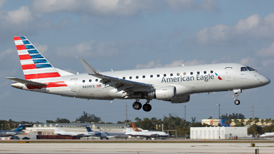 N439YX - Embraer 170-200LR - American Eagle (Republic Airways)