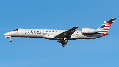 A picture of N668HH - Embraer ERJ145LR - American Airlines - © Evan Dougherty