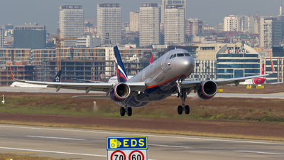 VP-BLN - Airbus A320-214 - Aeroflot