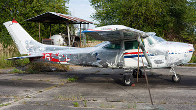 G-PLEE - Cessna 182Q Skylane II - Private