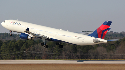 N825NW - Airbus A330-302 - Delta Air Lines