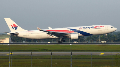 9M-MTA - Airbus A330-323 - Malaysia Airlines