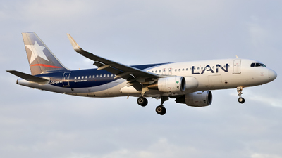 CC-BFW - Airbus A320-214 - LAN Airlines
