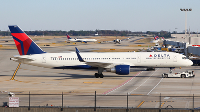 N6714Q - Boeing 757-232 - Delta Air Lines