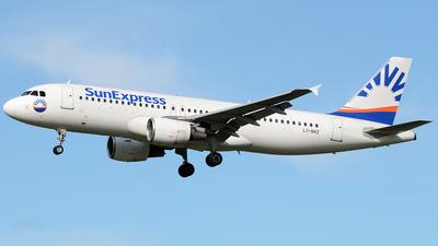 A picture of LYNVZ - Airbus A320232 - Avion Express - © Bjoern Huke