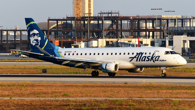 A picture of N173SY - Embraer E175LR - Alaska Airlines - © Rocky Wang