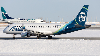 A picture of N644QX - Embraer E175LR - Alaska Airlines - © Mike MacKinnon