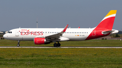 A picture of ECLUS - Airbus A320216 - Iberia Express - © Marco Wolf