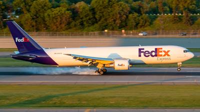 A picture of N168FE - Boeing 7673S2F(ER) - FedEx - © Steve Rinde