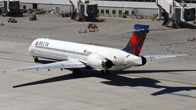 N946DN - McDonnell Douglas MD-90-30 - Delta Air Lines