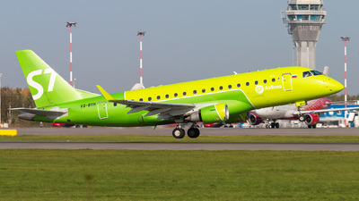 A picture of VQBYH - Embraer E170STD - S7 Airlines - © KomradAlexey