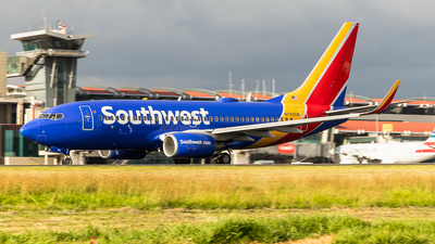 A picture of N742SW - Boeing 7377H4 - Southwest Airlines - © Luis Corrales H