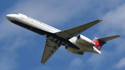 A picture of N989DN - Boeing 71723S - [55067] - © DJ Reed - OPShots Photo Team