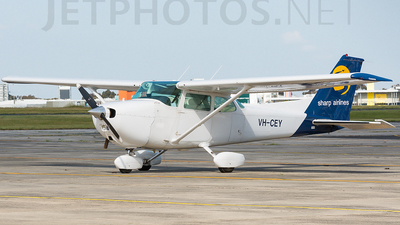 VH-CEY - Cessna 172N Skyhawk II - Sharp Airlines