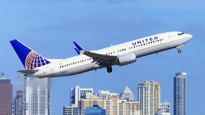 A picture of N16217 - Boeing 737824 - United Airlines - © Edward Pascuzzi