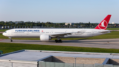 A picture of TCLJA - Boeing 7773F2(ER) - Turkish Airlines - © Airlinergeek