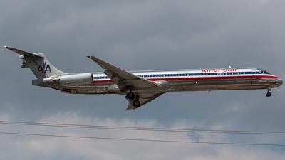 A picture of N569AA - McDonnell Douglas MD83 - [49351] - © Tomasz Kozakowski