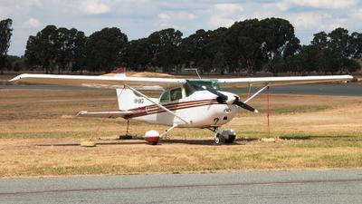 VH-SKD - Cessna 172N Skyhawk - Private