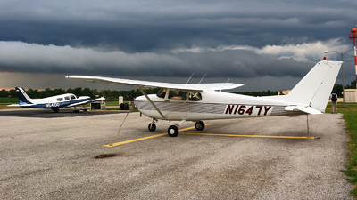 N1647Y - Cessna 172C Skyhawk - Private