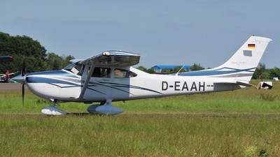 D-EAAH - Cessna T182T Skylane TC - Private