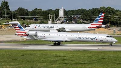 A picture of N576NN - Mitsubishi CRJ900LR - American Airlines - © Yan777