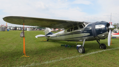 N9895A - Cessna 195A - Private