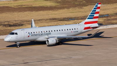 A picture of N230NN - Embraer E175LR - American Airlines - © Sweet Potato