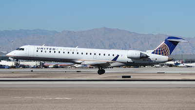 N724SK - Bombardier CRJ-701 - United Express (SkyWest Airlines)