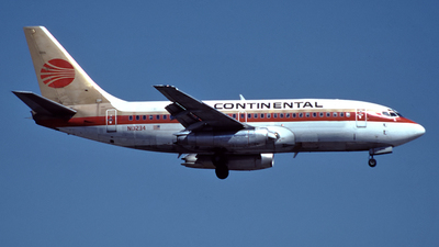 N13234 - Boeing 737-217 - Continental Airlines