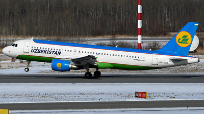 UK32012 - Airbus A320-214 - Uzbekistan Airways
