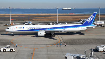 A picture of JA754A - Boeing 777381 - All Nippon Airways - © Kouki