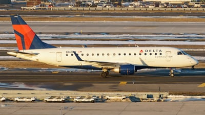 A picture of N860RW - Embraer E170SE - Delta Air Lines - © ne.planespotter