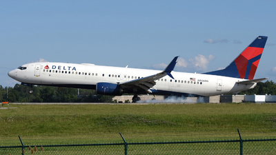 A picture of N806DN - Boeing 737932(ER) - Delta Air Lines - © DJ Reed - OPShots Photo Team