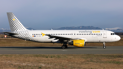EC-KDT - Airbus A320-216 - Vueling Airlines