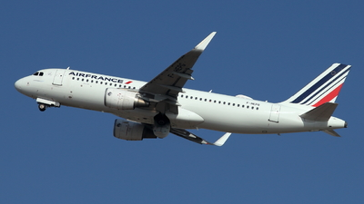 A picture of FHEPG - Airbus A320214 - Air France - © ikeharel