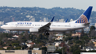 A picture of N78540 - Boeing 737824 - United Airlines - © Cameron Stone